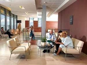 В какие клиники Израиля обращаться за эндопротезированием суставов
